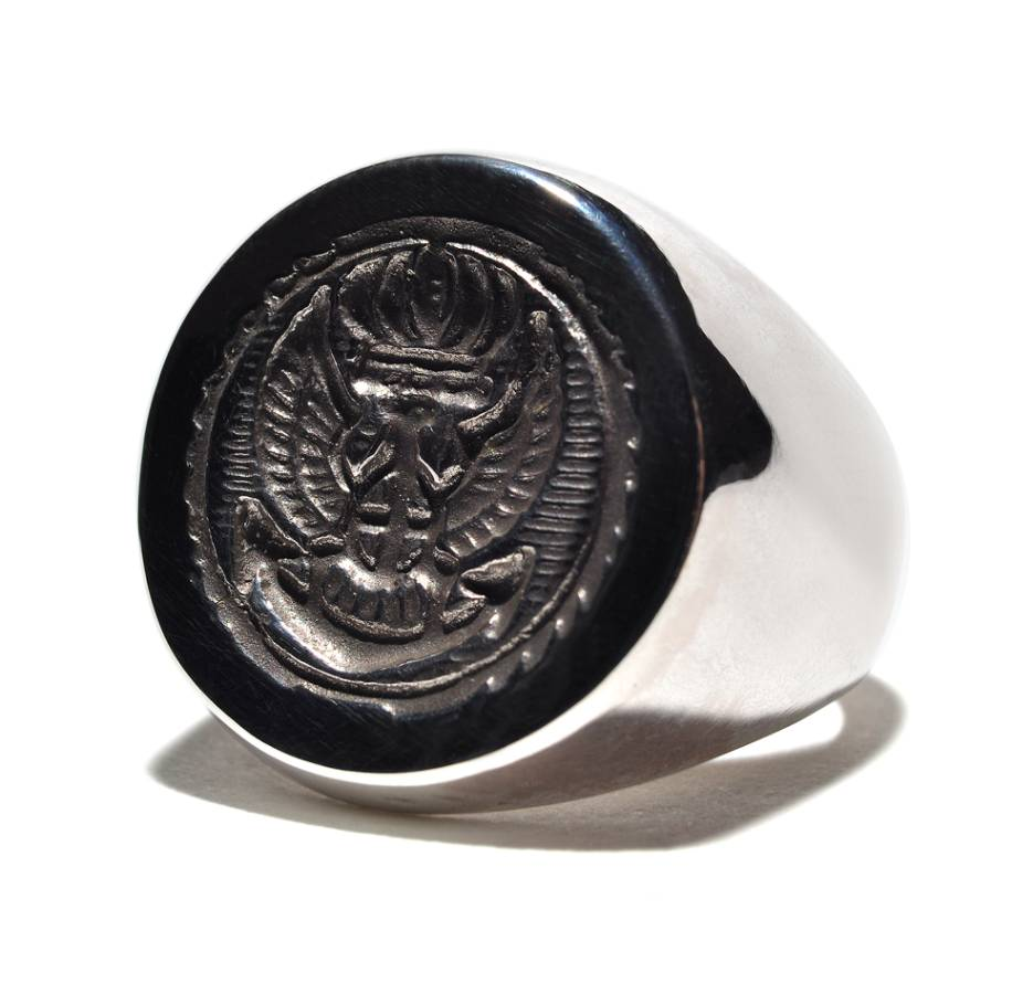 COMMODORE 1764 SIGNET RING