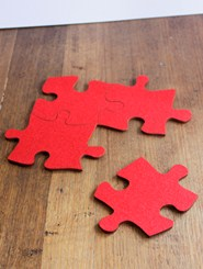 Puzzling pieces: 4 x coasters = trivet